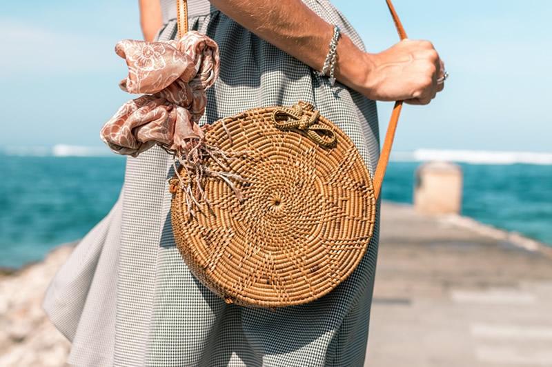 Круглые соломенные сумки