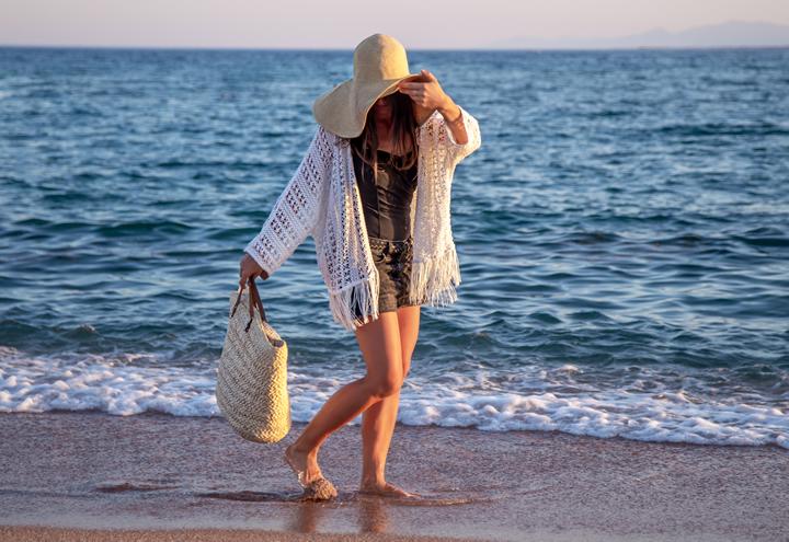 Plaj Şıklığı İçin Alışveriş Listenizde Kesinlikle Olması Gerekenler